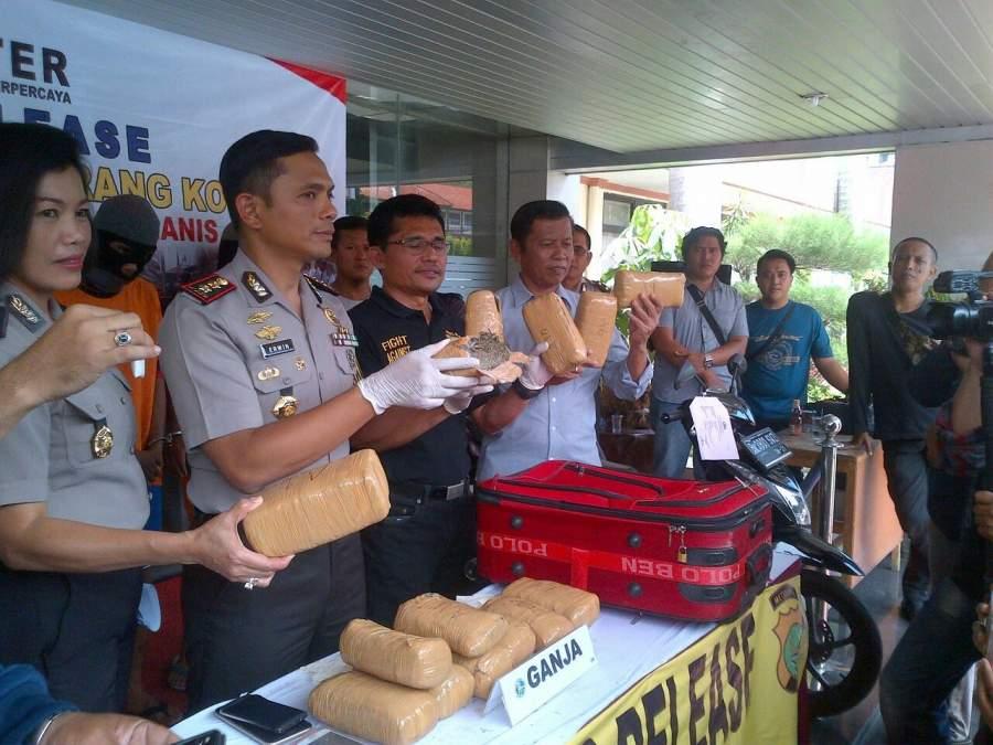 Polrestro Tangerang Amankan 7,5 Kg Ganja Asal Aceh