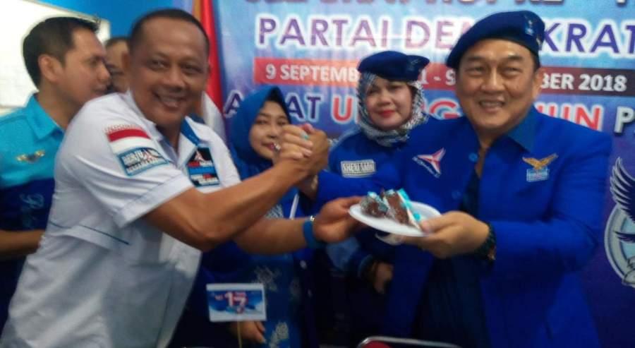 : Sekretaris dan Ketua DPC Demokrat Tangsel, Wawan Syakir Darmawan dan Gacho Sunarso. (Foto dok/dt)