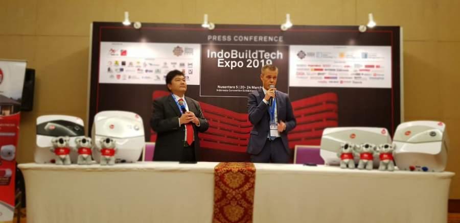 Produk pemanas air Rheem saat di pamerkan diajang Indo Build Technical Expo 2019 di ICE BSD.