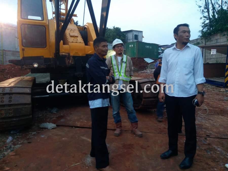 Wakil Ketua DPRD Tangsel, Tb Bayu Murdani saat Sidak SPAM Kali Angke.