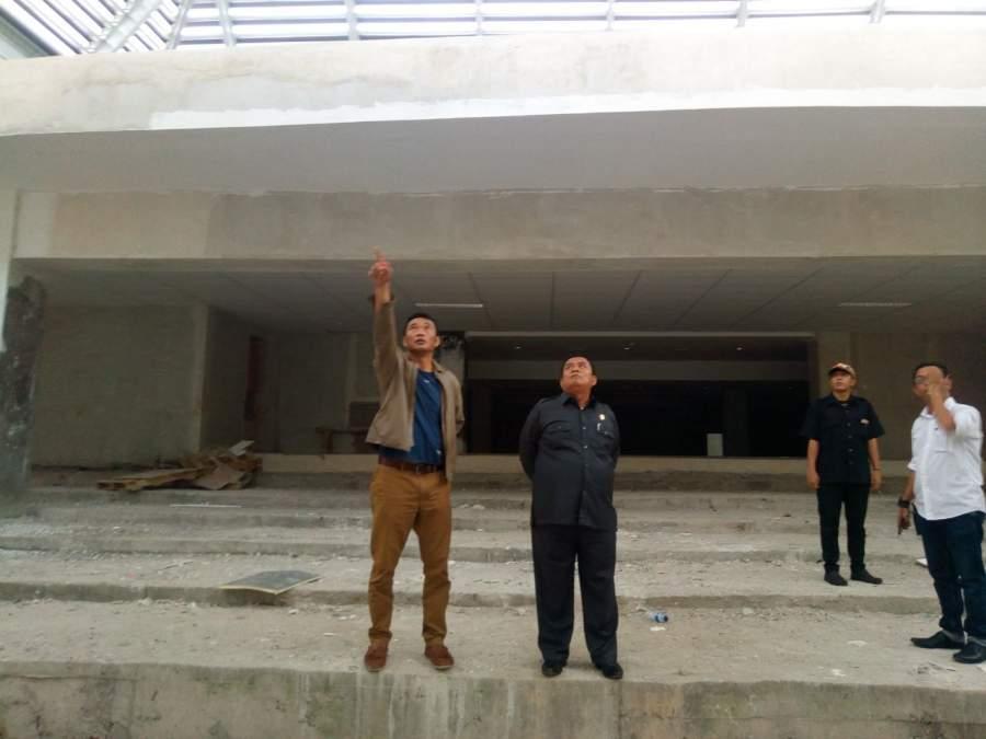 Ketua DPRD Kota Tangsel Moch Ramlie dan Wakilnya, Tb Bayu Murdani saat sidak gedung DPRD Kota Tangsel dibilangan Kecamatan Setu