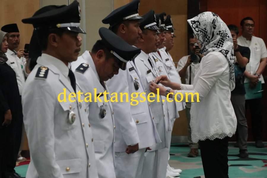 Wali kota Tangsel, Airin Rachmi Diany saat melantik 172 pejabat eselon 3 dan 4.