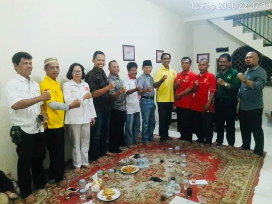 Pengurus sejumlah partai non parlemen saat rapat jelang deklarasi Pilkada Tangsel