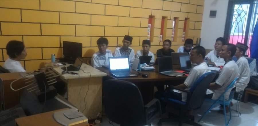 Niat Nambah Wawasan Soal Iptek, 9 Pelajar Sasmita Jaya Prakerin Di Detak Group