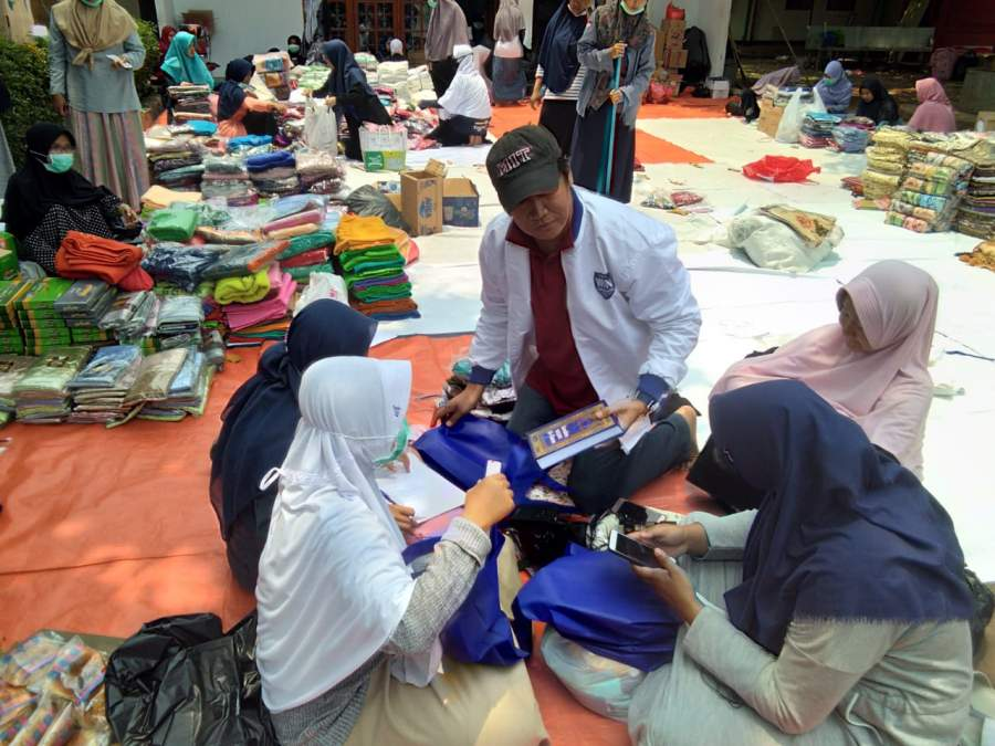 Ketua DPW NasDem Banten Kunjungi Mahasiswi Korban Kebakaran IIQ