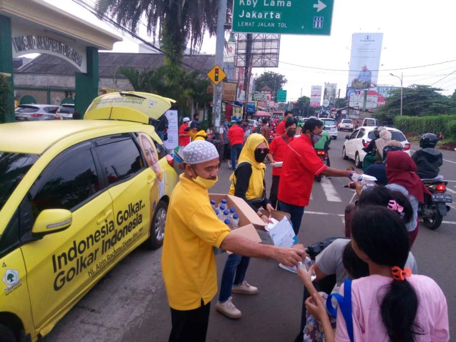 Gerakan Golkar Tangsel Peduli, 2000 Paket Makanan Siap Saji di Bagikan ke Masyarakat
